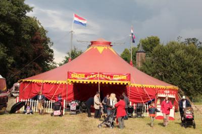 Circusten en circusprogramma